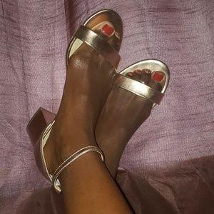 Rose Gold size 7.5 Sandal